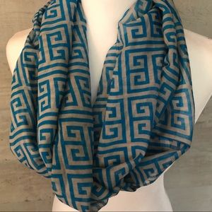NEW Women's Infinity Blue and Gray Scarf